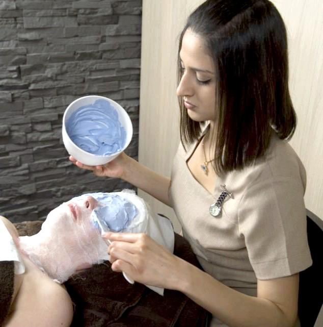 Японська маска з пташиного посліду замінить ботокс: Ось чому в світі не так багато місць, де жінка може розраховувати на отримання тієї самої оригінальної японської маски для