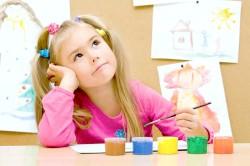Дитина старше чотирьох років важко переживає розлучення батьків