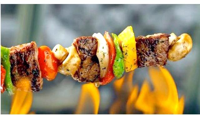 Великоднє меню: А еварушніца [url = http: //proevu.ru/115542] slava1989 [/ url] поділилася рецептами маринадів для шашлику: маринад для м'яса - море, але мені подобається найпростіший