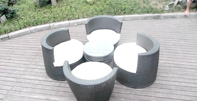Розумний дизайн для маленької квартири: Крісла-гойдалки. Ця меблева «матрьошка» здатна дати місце 4 дорослим людям.