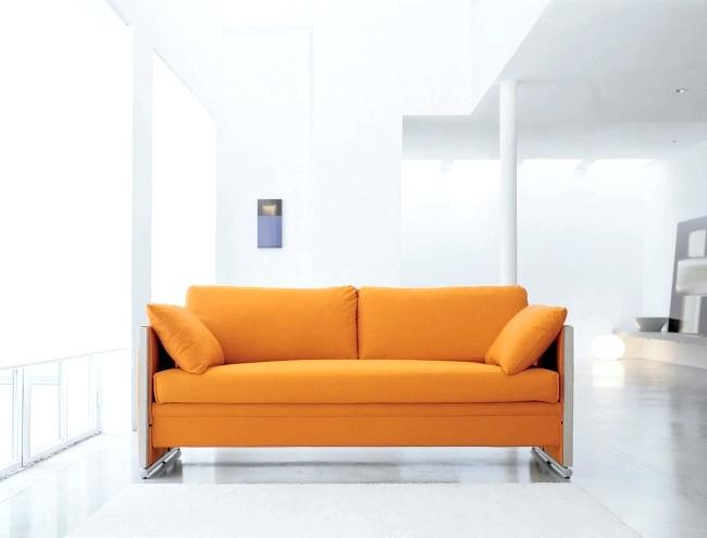 Розумний дизайн для маленької квартири: Диван-двох'ярусна ліжко. Ідеальна конструкція для прийому гостей.