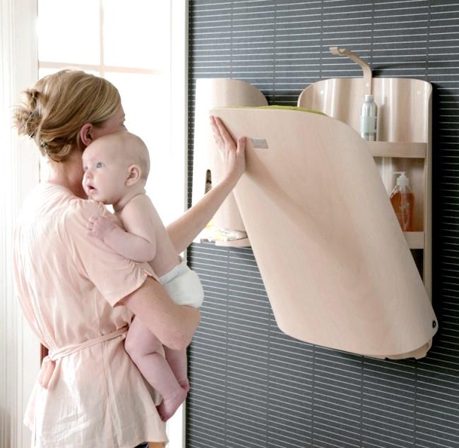 Розумний дизайн для маленької квартири: Складаний столик для догляду за дитиною.