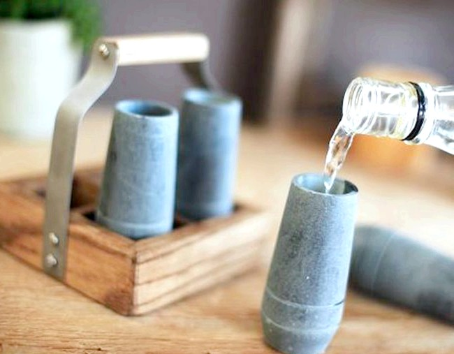 Ранковий ковток кави: Кам'яні шутери і сталеві стопки для охолодження напоїв. [url=http://klevosti.ru/podavat-holodnyim/?utm_source=eva&utm_medium=article&utm_campaign=art_link]Взято звідси [/ url]
