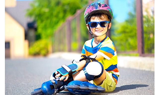 Вибираємо дво- три- і чотириколісних друзів: РолікіКажется, це найнебезпечніший вид транспорту для дітей: якщо не вмієш кататися, ноги зовсім не слухаються