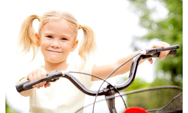 Вибираємо дво- три- і чотириколісних друзів: ВелосіпедКататься на велосипеді любить навіть листоноша Пєчкін. Але зараз вибираємо відповідну модель для вашого сина